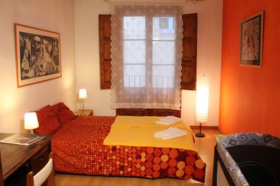 Bedroom1, Double bed, Table
