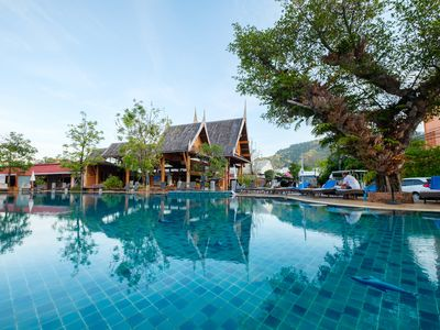 Photo for 1BR free breakfast w/Pool @Patong/EZA