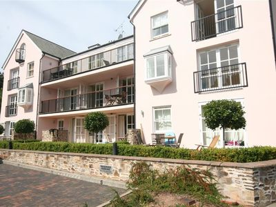 Photo for 6 COMBEHAVEN, family friendly in Salcombe, Ref 995125