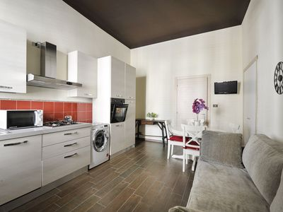 "Photo for Modern 1bdr in an ""old Milan"" style building, short walk from Loreto"