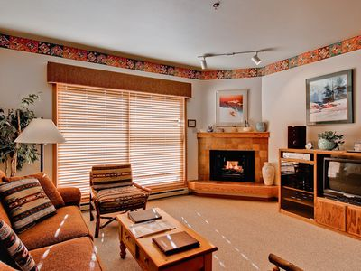 Photo for Condo Located Just off the Slopes, w/Private Deck, Fireplace & Hot Tub!