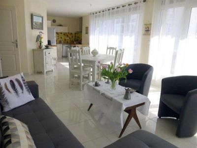 Photo for Apartment Royan, 2 bedrooms, 6 persons