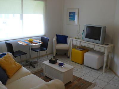 Photo for Excellent apartment with air conditioning, near the beach cove-Guaruja