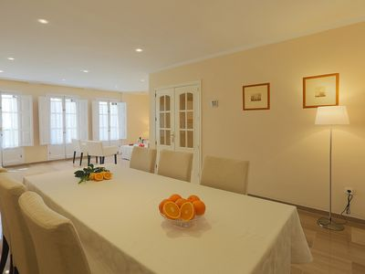 Photo for Luxurious Apartment in Epicenter: Parking + Free Wi-Fi, A / C, 3 BR + 3 WC, no noises