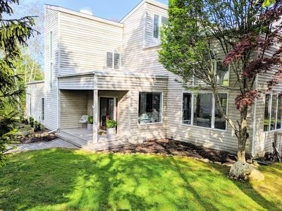 Photo for 4bed/3ba in Montauk :  Private Modern Retreat In Hither Woods