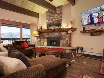 P122 by Mountain Resorts ~ Premier Unit ~ Poo & Hot Tub ~ Easy Access to Winter Events!