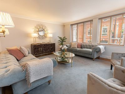 Photo for Exceptional 6BD home in Knightsbridge near Harrods