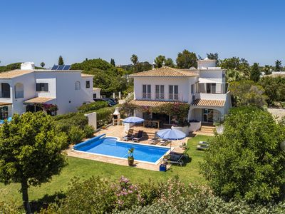 Photo for Luxury villa with private pool on Algarve Clube Atlantico