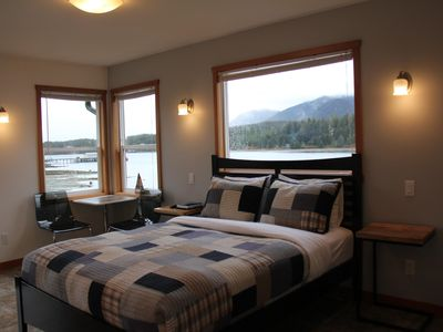 Photo for A room with a view for two perched high up with sweeping inlet views! Sleeps 2