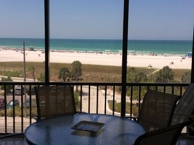 Breathtaking Top Floor Views of the Beach and Water