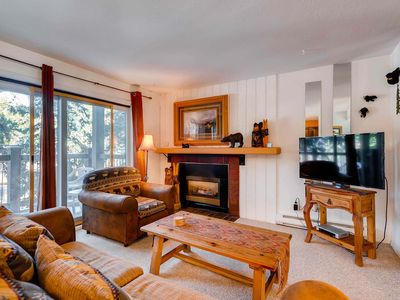 Photo for 7th Night Free! Wi-Fi, Gas Fireplace, Parking, New Flat Screen TV, Walk to Lift