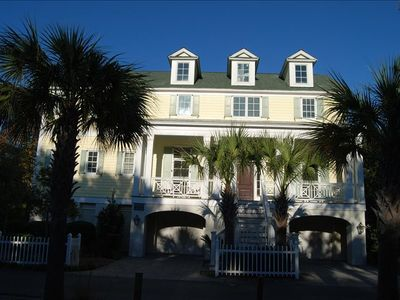 Photo for Perfect Hilton Head / Forest Beach Location Vacation Home