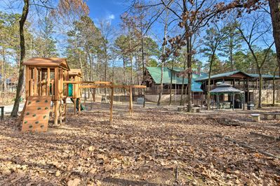The 5-bedroom, 2-bathroom 'Deer Crossing Lodge' will host your group in style.