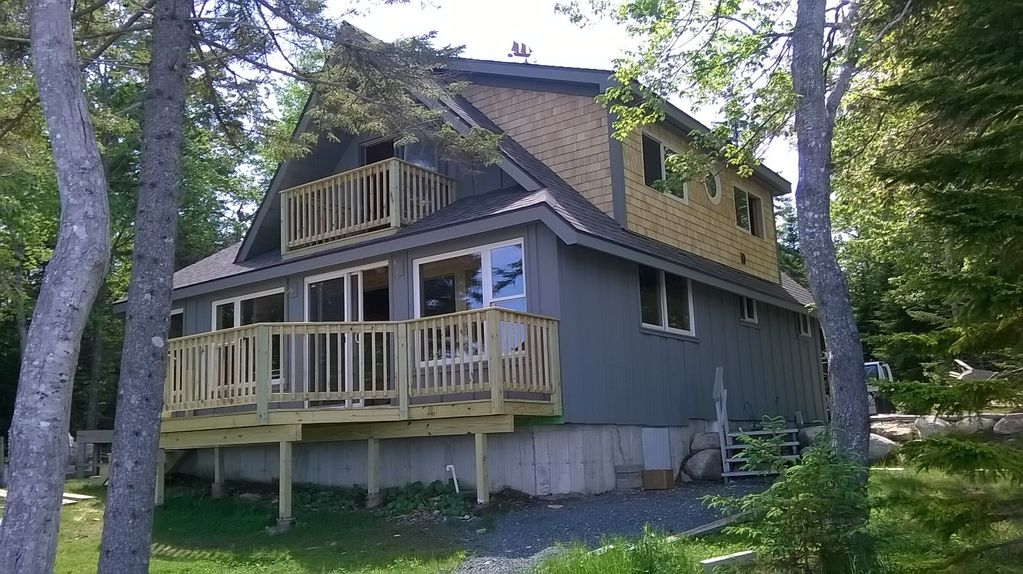 Beautiful downeast maine oceanfront cabin n vrbo for Cabin rentals in maine with hot tub