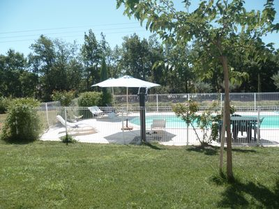 Photo for Large 5 bedroom house with pool in the Luberon