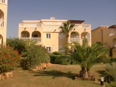 Photo for Mediterranean area with large pool, a short walk from the beach.