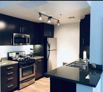 Luxury Modern 2 Bedroom Apartment In Noho Arts District North Hollywood