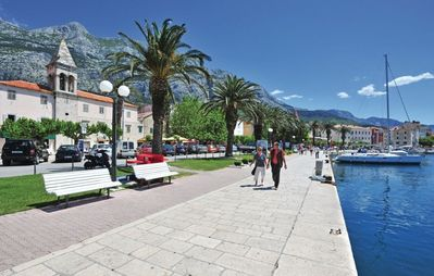 Photo for Apartment in the center of Makarska with Internet, Terrace (307140)