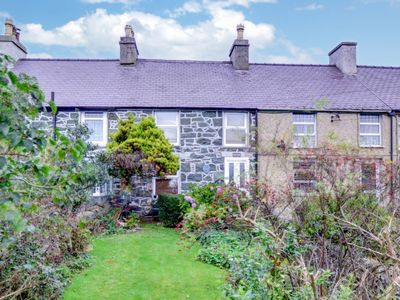 Photo for Vacation home Fron in Caernarfon - 4 persons, 2 bedrooms