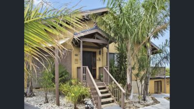 Photo for Beach Holiday Retreat with outdoor spa and games room