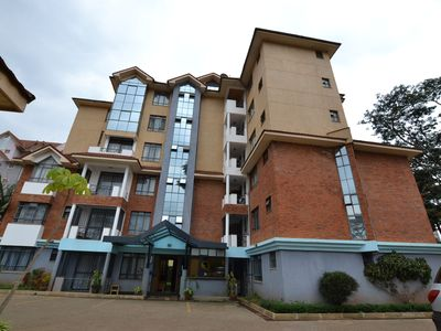 Letting one bedroom en suit apartment at Westlands near the Sarit Center