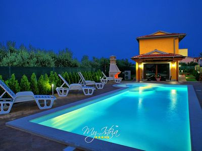 Photo for Beautiful comfortable villa with pool near Pula