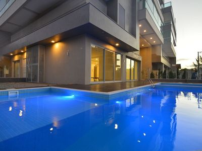 Photo for LM156 - Ap 202 - Beautiful high standard apartment with a pool for up to 09 people.