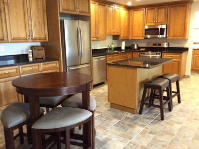 Brand New, 10 min. from Sky Harbor Airport, Great Location