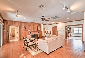 Photo for 3BR Cottage Vacation Rental in Lutz, Florida