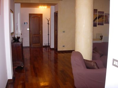 Photo for Refined cosy 2 bedrooms apartment sleeps 7, 2 walking minutes from city centre