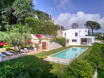 Photo for Superb contemporary villa of about 500m², South facing, Sea view