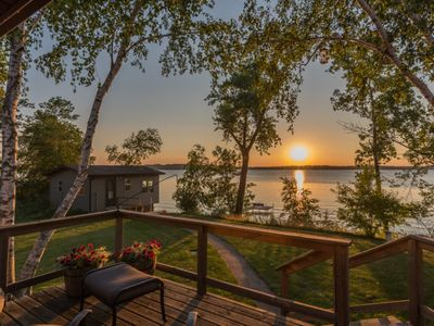 Gull Lake Cottage with Lakeside Boathouse