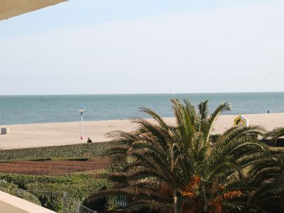 Photo for Superb renovated apartment of 45 m2 on the seafront with large terrace