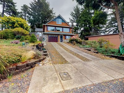 Photo for Dog-friendly home w/ private hot tub, firepit & enclosed yard - near the beach!