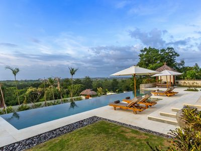 Photo for Bayu, luxury 2 Bedroom Villa, magnificent ocean views, Uluwatu