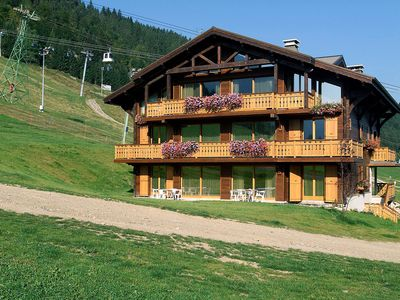 Photo for This 3-bedroom villa for up to 8 guests is located in Morzine and has a private swimming pool.......