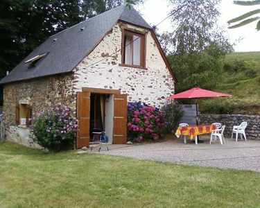 Photo for Furnished sheepfold in the Pyrenean Piemont, between De Bigorre and Lourdes