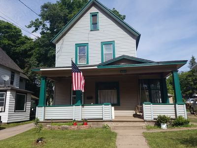 Heart of MQT-3 bd/1 ba, NEW bathroom w/large walk in Shower
