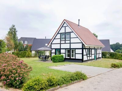 Photo for 6-person villa in the holiday park Landal Kasteeldomein De Cauberg - in the mountains/rolling countryside