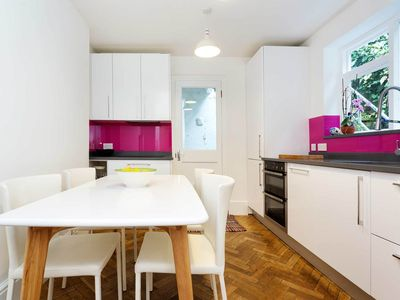 Photo for 5 minutes away from Archway tube station. Colourful 1 bed apartment (Veeve)