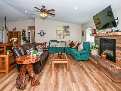 Photo for Kitkats Hideaway Fresh/Modern 3 BR Meadow Park Chalet