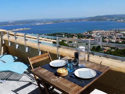 Photo for 3-room flat at the top of Mont Saint-Clair: panoramic sea view, Bassin de Thau