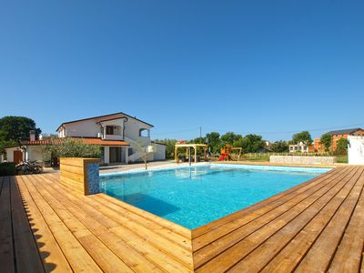 Photo for Holiday apartment Banjole for 2 - 4 persons with 1 bedroom - Holiday apartment