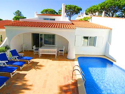 Photo for 3 bedroom Villa, sleeps 6 in Vale do Lobo with Pool, Air Con and WiFi