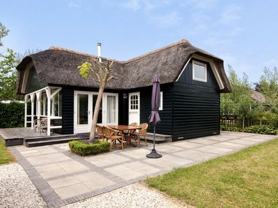Photo for thatched cottage with private garden near Gouda