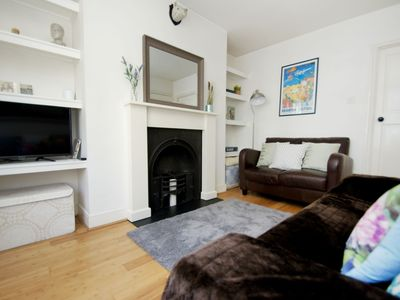Photo for Bright one bedroom apartment to sleep three in a fantastic location just within a few minutes' walk