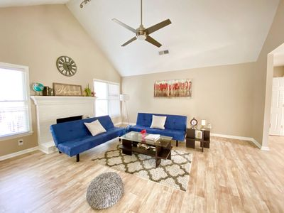 Photo for ⚡️DISCOUNTED⭐️🌟Charming Cozy & Modern Home Near ATL⭐️