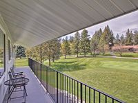 Great Condo right on the Golf Course