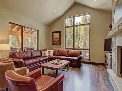 Photo for ***FREE BIKE RENTAL, FREE ESCAPE ROOM, DISCOUNTED RAFTING FOR GUESTS*** Luxury Townhome, Multiple Fi