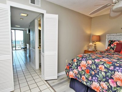 Gulf Shores Surf and Racquet 515A- Fall is Better at the Beach! Let Feet Touch the Sand and the Sun Kiss Your Cheeks